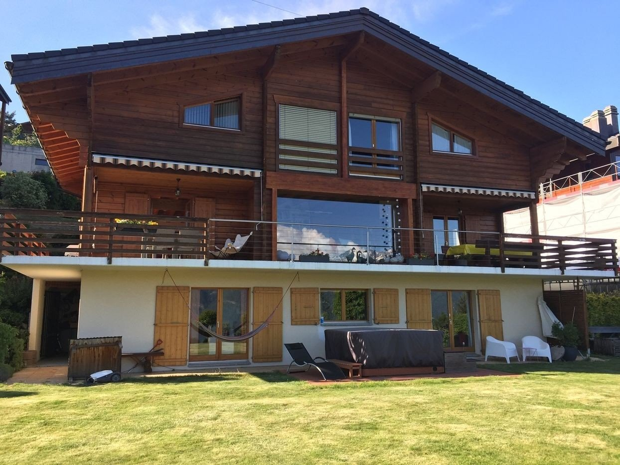 Large 6-bedroom Chalet for sale in the Thermal Bath Village of Ovronnaz Switzerland